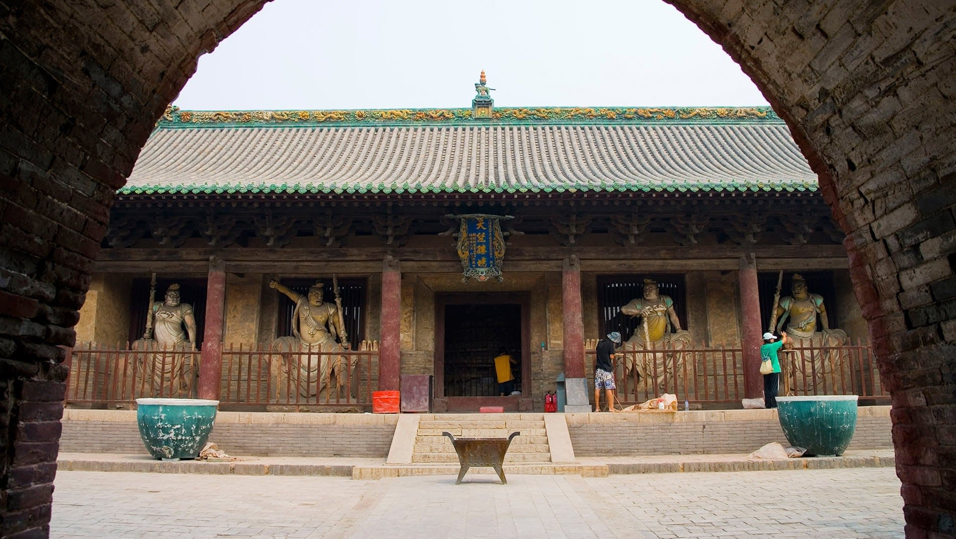 Shuanglin Temple~Because of such vicissitudes as the Cultural Revolution, it is rare to see well-preserved statues in China. Shuanglin Temple offers the exceptional opportunity to see statues from as early as the Song as well as the Ming and Qing dynasties. (960-1911)